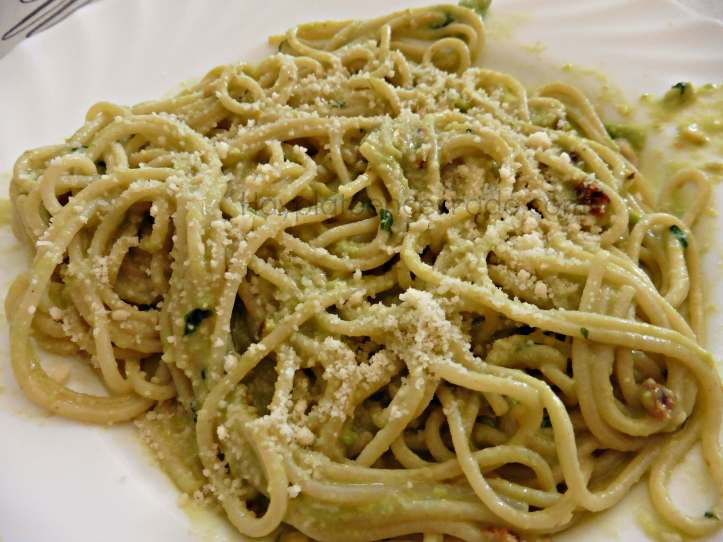 espagueti-pesto-aguacate-spaghetti-avocado-pesto